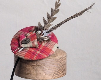 Tartan fascinator. This design can be made in other tartans.