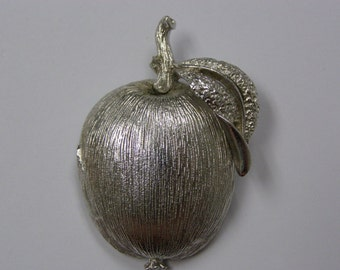 Sweet Vintage Sarah Coventry Apple Brooch Broach Pin Silver Tone