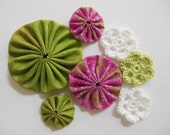 Yo-Yos and Crocheted Flowers - Pink, Green and White - Cotton Appliques - Cotton Embellishments