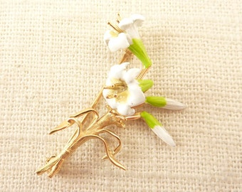 Vintage Painted 14K Gold White Lily Brooch