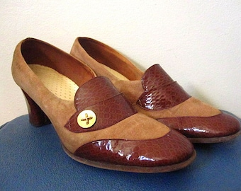Vintage 60's Two Toned Brown Suede Leather and Snakeskin with Gold Accent Button Chunky Heel Pumps Size 8.5 / 9