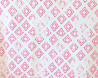 Moroccan Keyhole Fabric in Fuchsia on White - One Yard Left