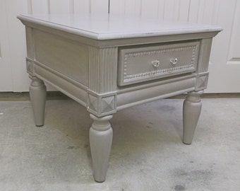 End Table, Distressed Gray Cottage Style - TB601 Shabby Chippy Farmhouse Chic