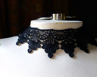 BLACK Lace made in USA Venise Lace for Bridal, Costume, or Jewelry Design L 34