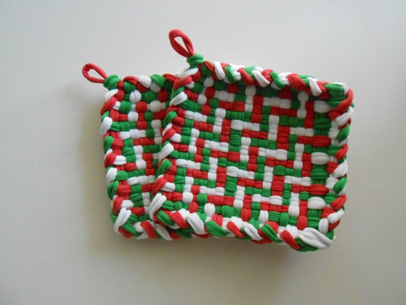 Handmade Woven Pot Holders Mug Mat Set of two Red Green White Christmas Free Shipping