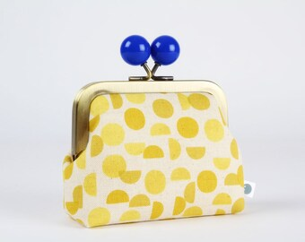 Metal frame coin purse with color bobble - Shades in yellow - Color dad / Ellen Luckett Baker / Monochrome / Minimalist modern / Cobalt