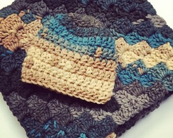 Blue grey and tan Baby boy afghan with infant newborn hat. Car seat cover square baby blanket warm baby swaddler
