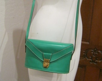 Vintage small structured boxy green leather shoulder bag, Adrienne Vittadini shaped green leather purse, green designer smaller handbag