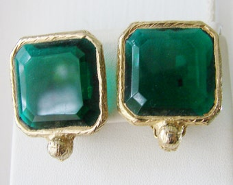 Vintage 1950s Kramer gold and emerald green crystal cocktail earings