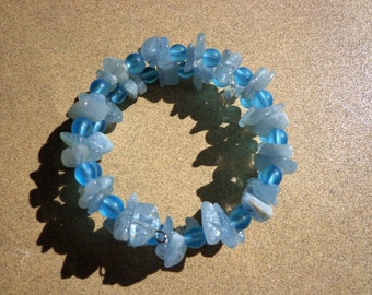 Bracelet Aquamarine Gemstones and Aqua Blue Frosted Glass Beads on Wire Coil