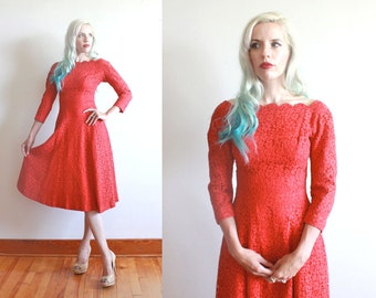 "1950s dress / 50s red lace dress / 1950s party dress / size xs / bust 32"" waist 25"""