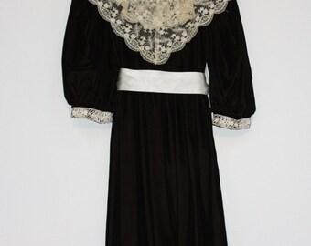 Girls Brown Velveteen Dress Ecru Lace Collar Ivory Sash Size 8 Sarah Kent Vintage