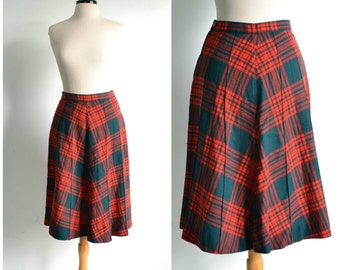 50s Plaid Wool Skirt  Red and Green Tartan A-line Skirt - 28 inch waist