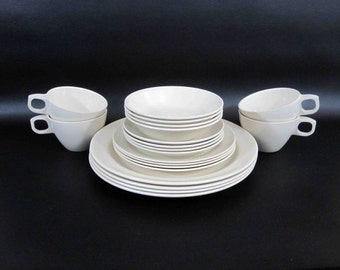 "Vintage 20 Piece Melamine Dishware Set in Cream by ""Mallo-Ware"". Circa 1950's - 60's."