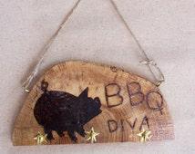 BBQ diva 3 hooks with stars and pig live edge golden oak slice wood burned pyrography hemp hanger bbq tool rack
