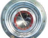 Pontiac Hubcap Clock, 1950s, with numbers (a, vintage wall clock, retro wall clock )