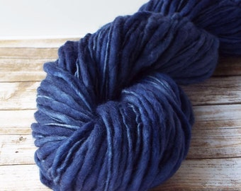 Slub Yarn, Thick and Thin Yarn, Hand Dyed Merino Yarn, Hand dyed Slub Yarn, Hand painted slub yarn, baby prop yarn, Navy