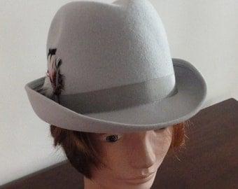 70s Light grey doeskin felt women hat small 21 1/4 inches Bollmann