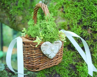 Rustic Flower Girls Mini Basket, Nature Woodland Vintage Rustic Outdoor Weddings Basket, Basket Cake Topper, Brown Green Weddings Decor