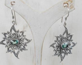 Balinese Sterling Silver Green Quartz dangle Earrings / 1.90  inche long / silver 925