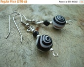25%OFF Black, White and Silver swirl Bead Earring Set (108)