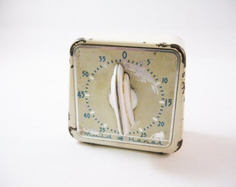 """Chippy Vintage Timer """"Maid of Honor"""""""
