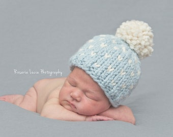 Newborn Pom Pom Hat // Baby Pom Pom Hat // Knit Hat // Newborn Photo Prop // Blue Baby Hat