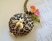 bee locket necklace, vintage style bronze locket, bronze locket, locket necklace