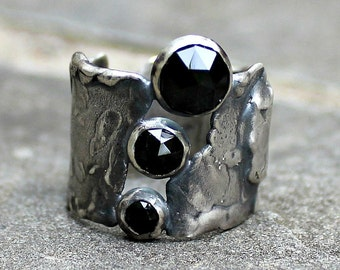 Black Spinel Ring - Sterling Silver Ring - Rustic Sterling Ring - Black Gem Ring - Rose Cut Gem Ring - Silver Band Ring - 3 Stone Ring - 8