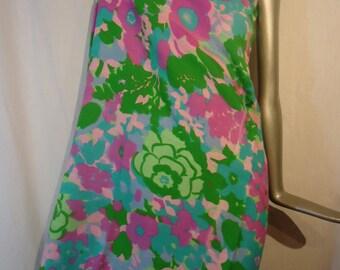 Vintage 1960s Floral Linen Fabric Textile 2.5 yards