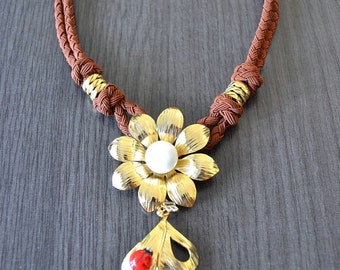 Daisy and ladybug Necklace, gold plated flower and lampwork bead