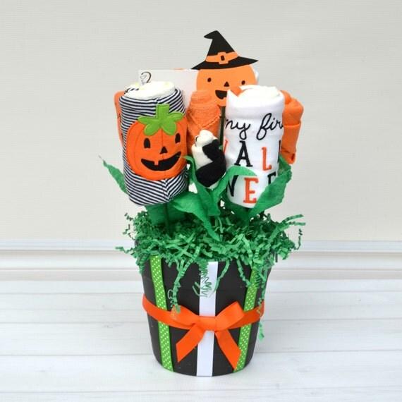 Halloween Baby Gift, Halloween Baby Outfit, Baby's First Halloween, First Halloween Outfit, Pumpkin Sleeper, Halloween Onesie,
