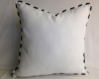 """Lot of 4 Linen pillows, 20"""" square, black and white piping, white linen cushion"""