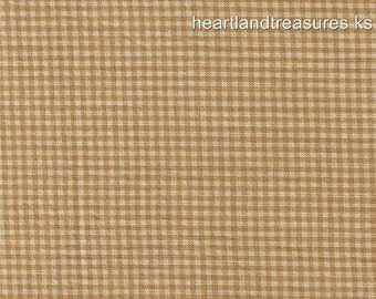 Dunroven House H- 83 Homespun Wheat Small Plaid Fabric