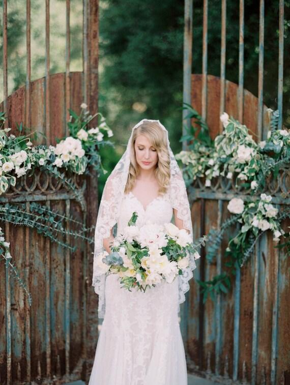 Wedding veil, Waltz Length, Bridal Veil, Beaded Veil, Mantilla Veil, Lace Veil, Lace Mantilla veil, Short Veil, Romantic Veil - Style 512