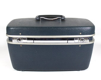 Blue Royal Traveller Luggage Train Case