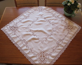 Linen Luncheon Tablecloth c1910 Linen Filet Lace Intricate Cutwork Hand Embroidery Needle Lace Whitework