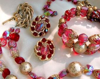 Hobe Set Necklace Earrings Bracelet Vintage Jewelry Red Pink Beads