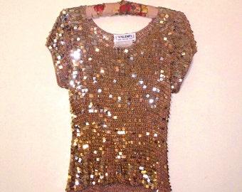 vintage 90s valenti metallic gold square paillettes crocheted top