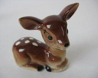 vintage kitsch porcelain deer, 1950's fawn bambi doe figurine
