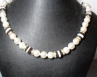 Dreamy Creamy Pearl and Banded Agate Necklace (06/26/2016)