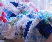 CHARMING Vintage Chenille Patchwork Quilt COLLECTIBLE Size UNISEX Blue