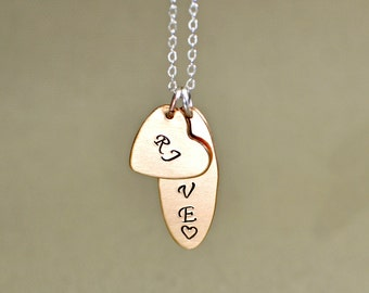 Personalized name oval and heart charm necklace in bronze - NL371