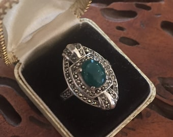 Stunning Sterling Silver Marcasite Green Chrysoprase Art Deco Vintage Antique Ring Art Deco Jewelry