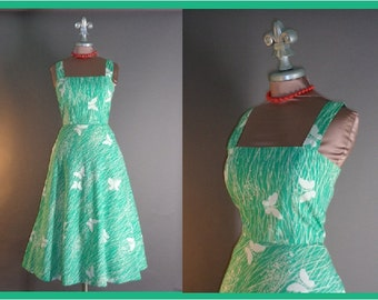 70s dress vintage 1970s 50s inspired NOVELTY BUTTERFLY PRINT bright jade cotton full skirt sun dress