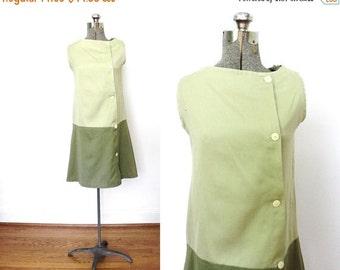 ON SALE 60s Mod Dress / 1960s Green Two Tone Mini Dress