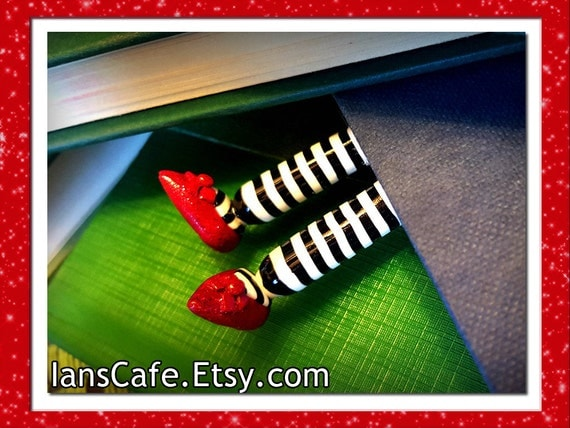 Etsy Original - wIcKed WiTch bOOkmArk - Inspired by Wicked and Wizard of Oz - Perfect Stocking Stuffer
