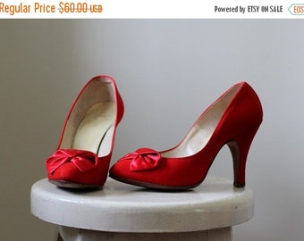 Vintage 1950s High Heels Red Stiletto Heels Womens Red Pumps Red Suede Shoes Womens Pumps Heels with Satin Bows Rockabilly Size 5