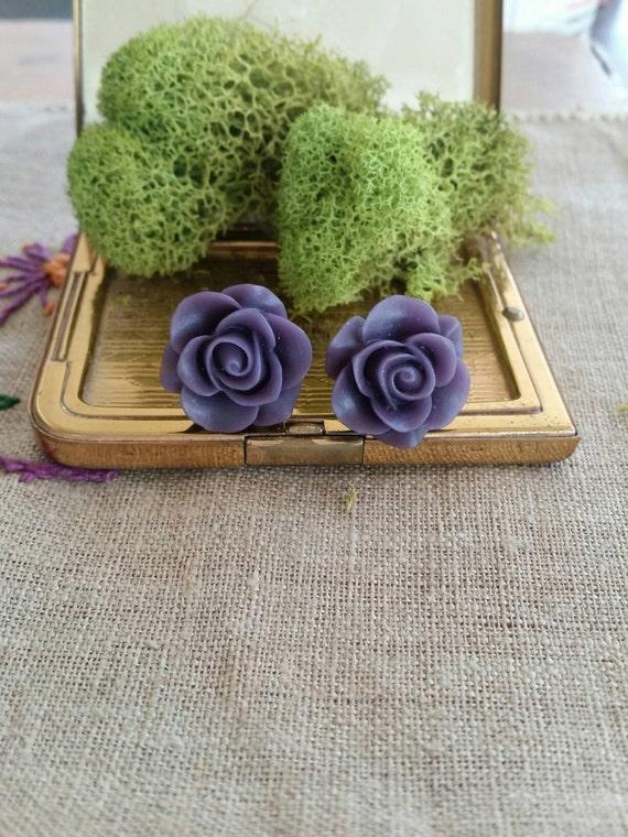Flower Plugs, Wedding Gauges, Prom Plugs, Purple Roses