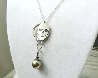 Skull - Oxidized Sterling silver and Tahitian Black Pearl Pendant - Jewelry 925 - READY TO SHIP